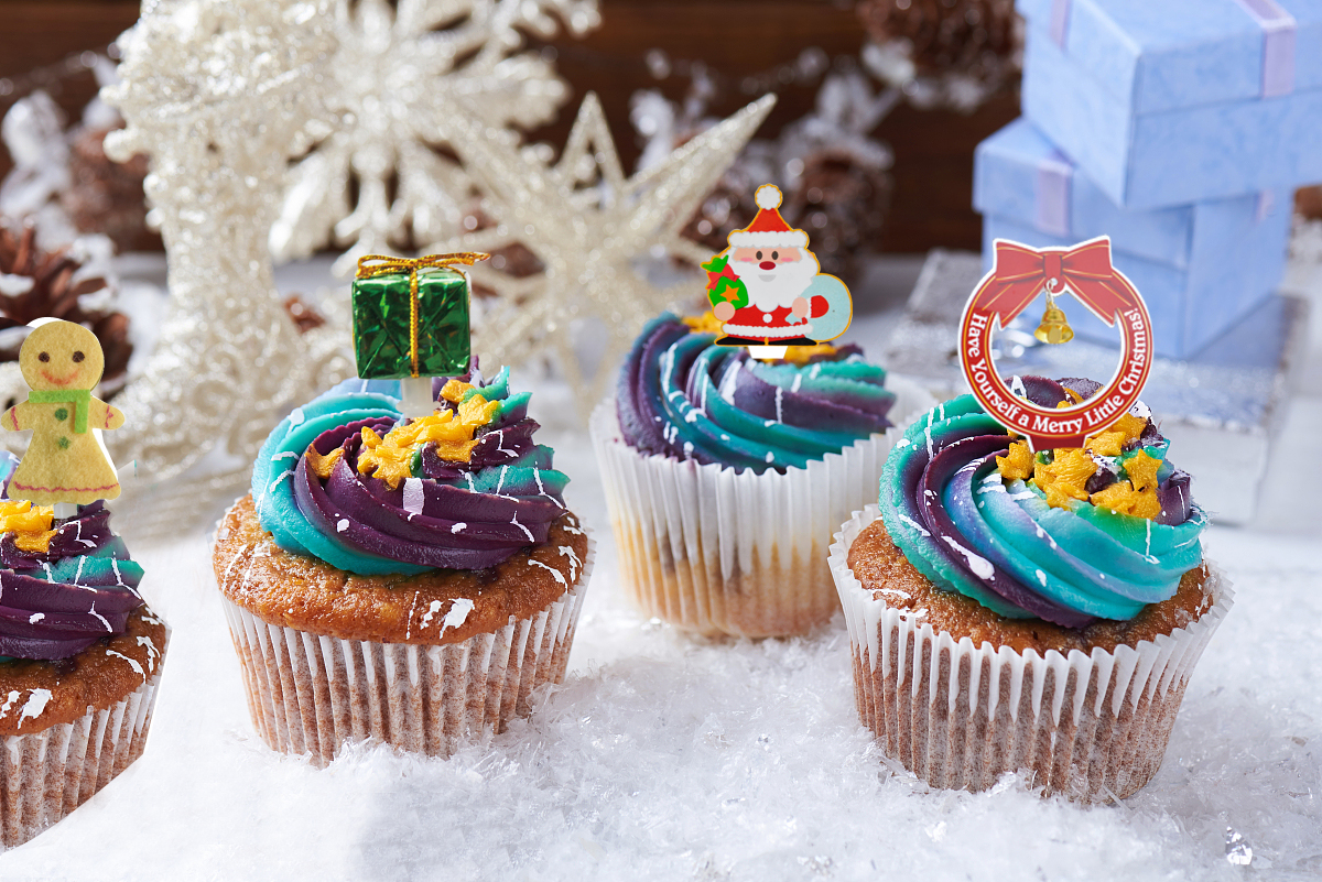 Christmas cake toppers for kids